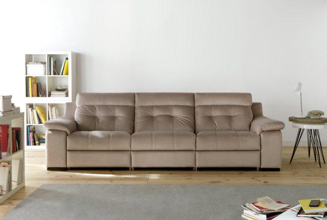 Cómo limpiar los sofás tapizados con piel de tu tienda de sofás en Madrid